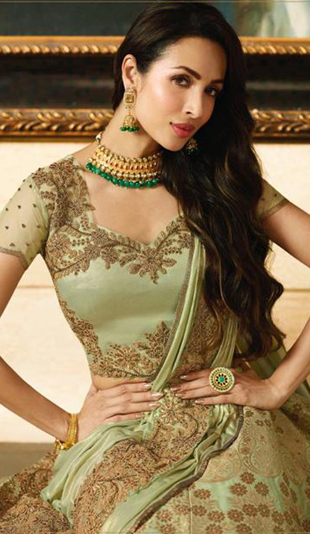 Malaika Arora Khan Wedding Banarasi Silk Lehenga Choli in Green Color - 394747641