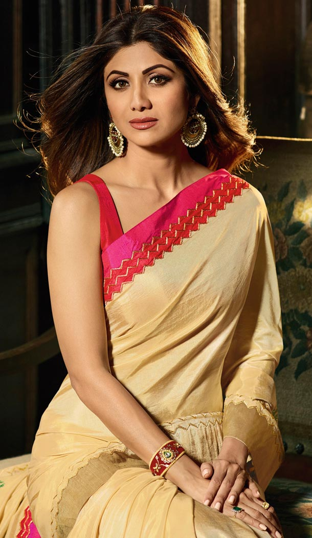 Shilpa Shetty Beige Color Bhagalpuri Silk Bollywoode Celebrity Party Saree Blouse - 402648611