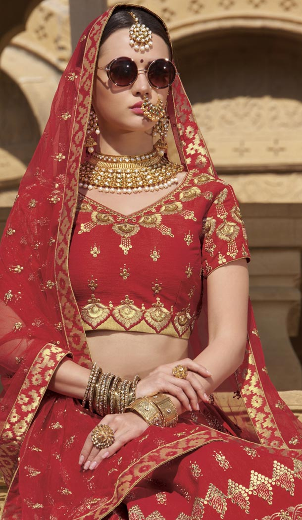 Red Color Raw Silk Desiger Bridal Wear Lehenga Choli - 425051765
