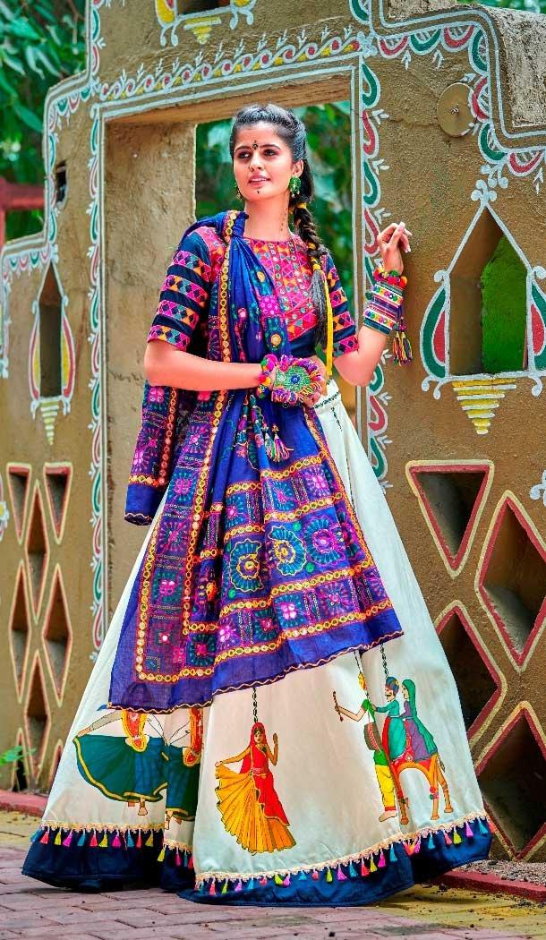 traditional chaniya choli designs for navratri