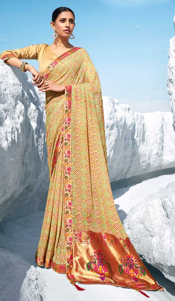 Charming Cream Color Georgette Short Jacquard Pallu Party Wear Saree -782196008